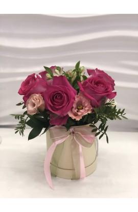 Aranjament in cutie cu trandafir, alstroemelia, eustoma