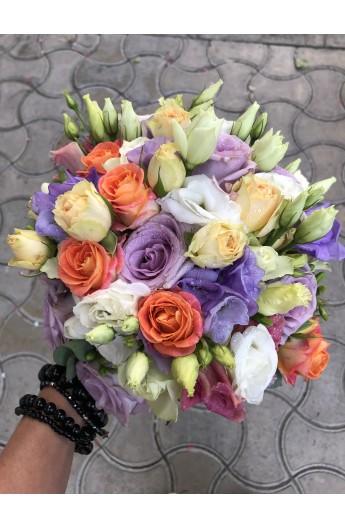 Buchet mireasa/ nasa cu miniroze frezii si trandafiri
