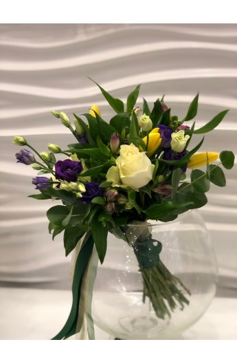 Buchet in Alb si Mov Trandafiri Alstroemeria si Flori de Sezon